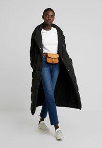 ONLY Tall - ONLEMILY STRAIGHT - Jeans Skinny Fit - dark blue denim - 1