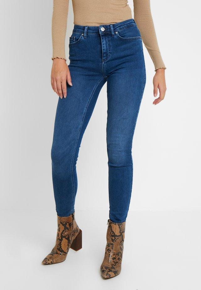 ONLDOOLEY - Jeans Skinny Fit - medium blue denim
