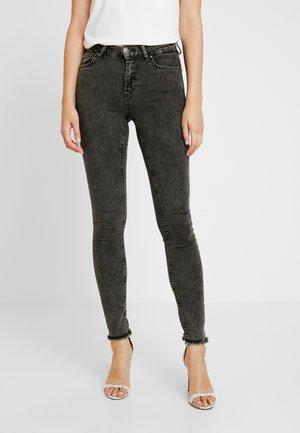 ONLBLUSH RAW ANKEL - Jeans Skinny - black denim
