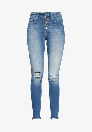 ONLFBLUSH - Skinny džíny - medium blue denim