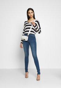 ONLY Tall - ONLROYAL SKINNY - Jeans Skinny Fit - medium blue denim - 1