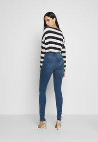 ONLY Tall - ONLROYAL SKINNY - Jeans Skinny Fit - medium blue denim - 2