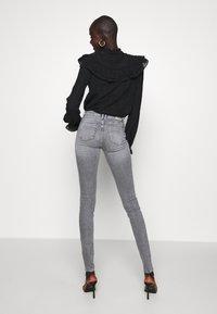 ONLY Tall - ONLSHAPE LIFE  - Jeans Skinny - grey denim - 2