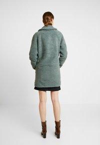 ONLY Tall - ONLAURELIA COAT - Vinterkappa /-rock - balsam green - 2