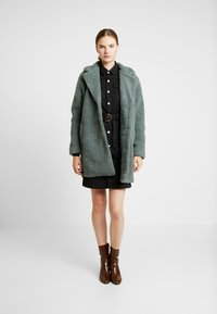 ONLY Tall - ONLAURELIA COAT - Vinterkappa /-rock - balsam green - 1