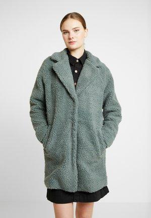 ONLAURELIA COAT - Zimní kabát - balsam green