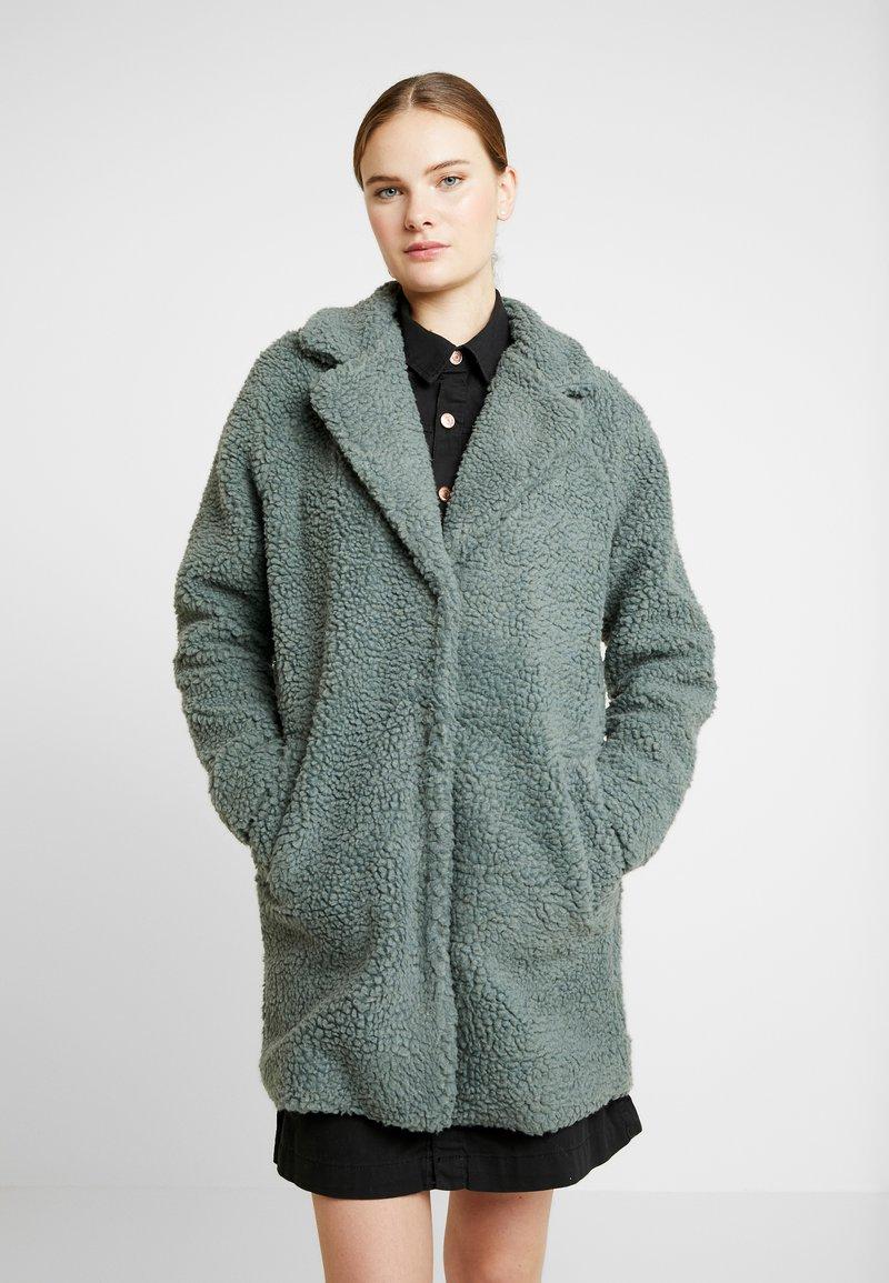 ONLY Tall - ONLAURELIA COAT - Vinterkappa /-rock - balsam green