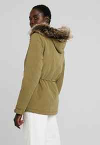 ONLY Tall - ONLNEW STARLIGHT - Veste d'hiver - martini olive - 2