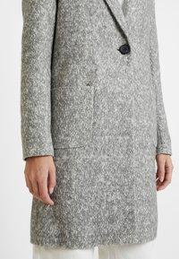 ONLY Tall - ONLASTRID MARIE COAT - Cappotto classico - medium grey melange - 5