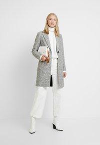 ONLY Tall - ONLASTRID MARIE COAT - Cappotto classico - medium grey melange - 1