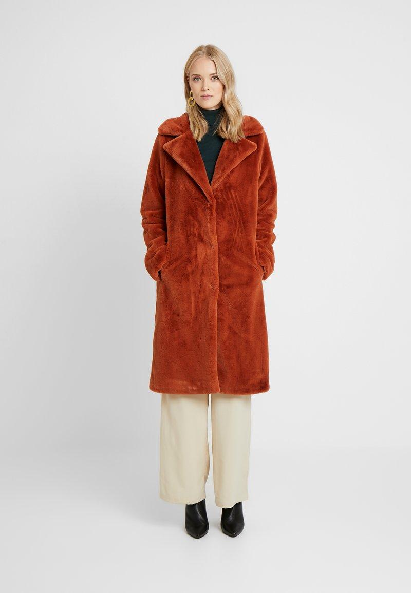 ONLY Tall - ONLASHLEY COAT TALL - Płaszcz wełniany /Płaszcz klasyczny - picante