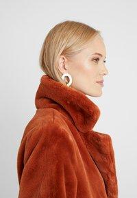ONLY Tall - ONLASHLEY COAT TALL - Płaszcz wełniany /Płaszcz klasyczny - picante - 6