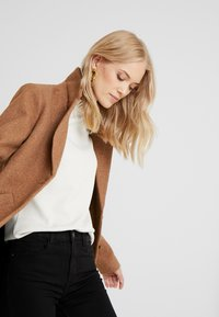 ONLY Tall - Classic coat - camel - 3