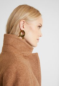 ONLY Tall - Classic coat - camel - 5
