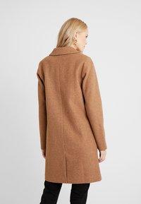 ONLY Tall - Zimní kabát - camel - 2