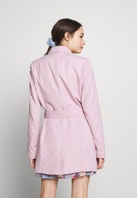 ONLY Petite - ONLVALERIE - Trench - keepsake lilac - 2