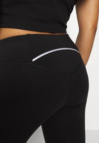 ONLY PLAY Petite - ONPPERFORMANCE RUN 7/8 TIGHTS PETIT - Leggings - Trousers - black/black/red - 4