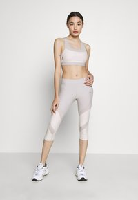 ONLY PLAY Petite - ONPJACINTE 3/4 TRAINING TIGHTS - Leggings - Trousers - ashes of roses/lilac ash - 1