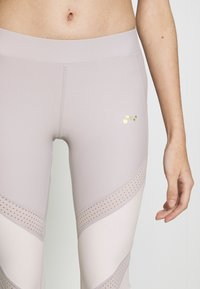 ONLY PLAY Petite - ONPJACINTE 3/4 TRAINING TIGHTS - Leggings - Trousers - ashes of roses/lilac ash - 4