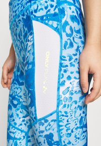 ONLY PLAY Petite - ONPANGILIA LIFE - Leggings - imperial blue/white/imperial blue - 4