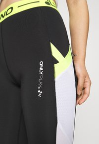 ONLY PLAY Petite - ONPALIX HW 7/8 TRAINING TIGHTS - Leggings - black/white/saftey yellow - 4