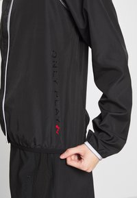 ONLY PLAY Petite - ONPPERFORMANCE RUN JACKET - Training jacket - black - 3
