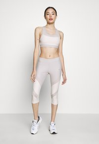 ONLY PLAY Petite - ONPJACINTE SPORTS BRA - Top - ashes of roses/lilac ash - 1