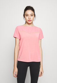 ONLY PLAY Petite - ONPJEWEL BOATNECK TRAINING TEE - Print T-shirt - strawberry pink/white gold - 0