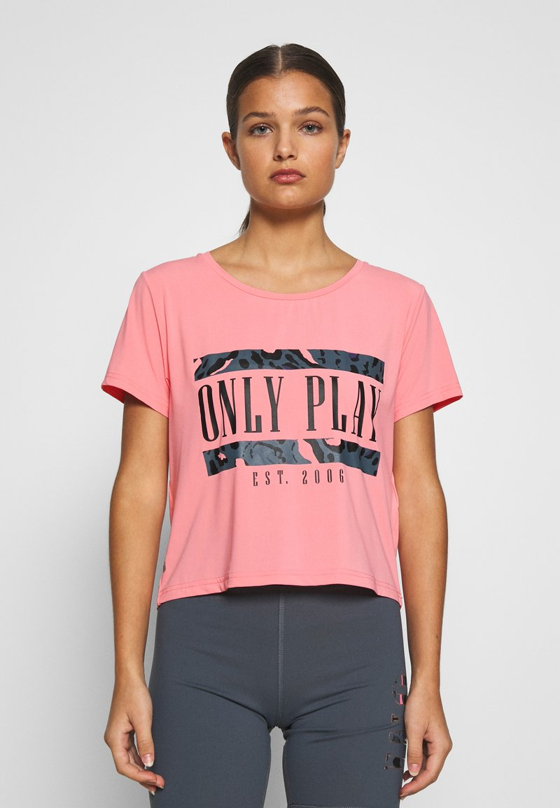 ONLY PLAY Petite - ONPMARIKA SHORT TRAINING TEE - Print T-shirt - strawberry pink turbulence