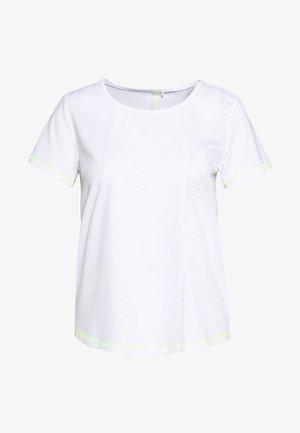 ONPALIX TRAINING TEE - Camiseta estampada - white/saftey yellow