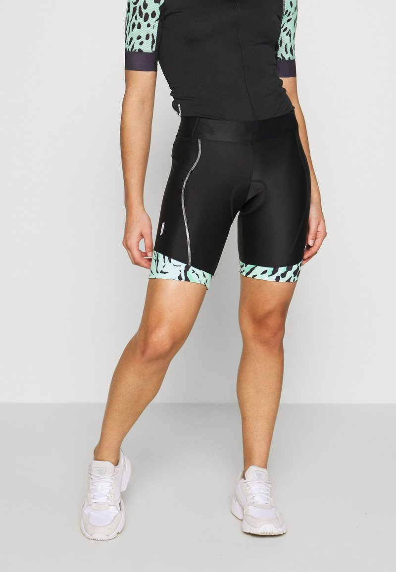 ONLY PLAY Petite - ONPPERFORMANCE BIKE SHORTS PETITE - Shorts - black/green ash