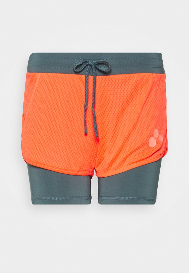 ONPSUL LOOSE TRAINING  - Shorts - fiery coral/goblin blue