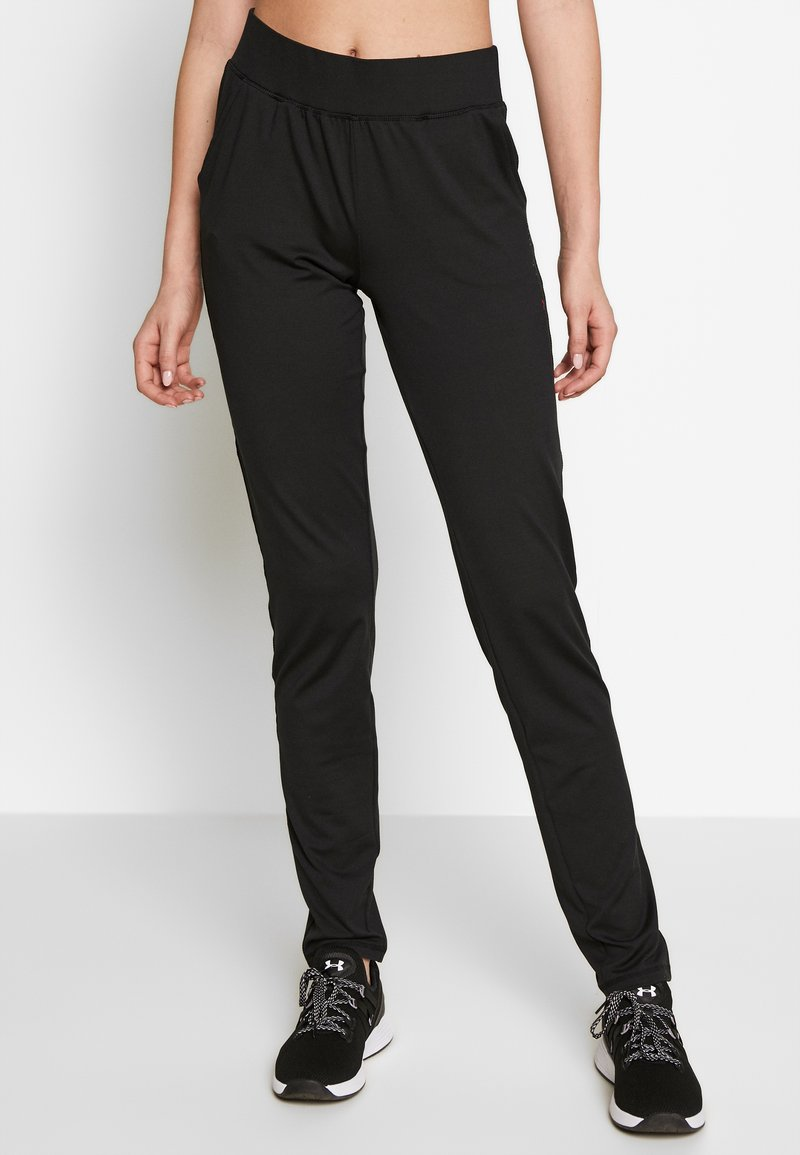 ONLY PLAY Tall - ONPPERFORMANCE BAY SLIM PANTS - Joggebukse - black/red