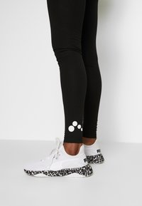 ONLY PLAY Tall - ONPSYS LOGO TIGHTS TALL - Leggings - Trousers - black - 3