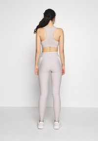 ONLY PLAY Tall - ONPJACINTE  - Leggings - ashes of roses/lilac ash/ white - 2