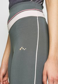 ONLY PLAY Tall - ONPJEWEL MESH TRAINING TIGHTS - Leggings - Trousers - turbulence - 5