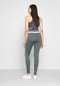 ONLY PLAY Tall - ONPJEWEL MESH TRAINING TIGHTS - Leggings - Trousers - turbulence - 2