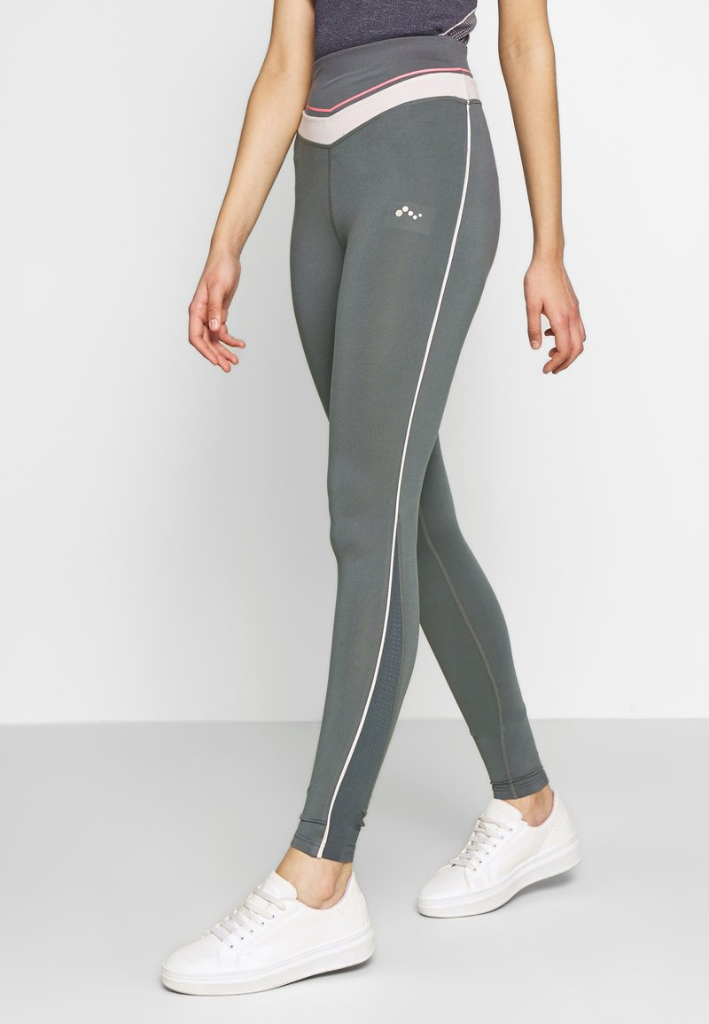 ONLY PLAY Tall - ONPJEWEL MESH TRAINING TIGHTS - Leggings - Trousers - turbulence