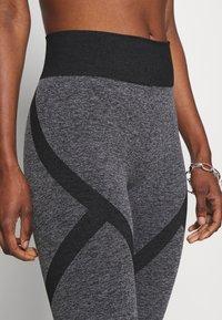 ONLY PLAY Tall - ONPMASHA LIFE CIRCULAR TIGHTS - Leggings - Trousers - black melange/black - 4