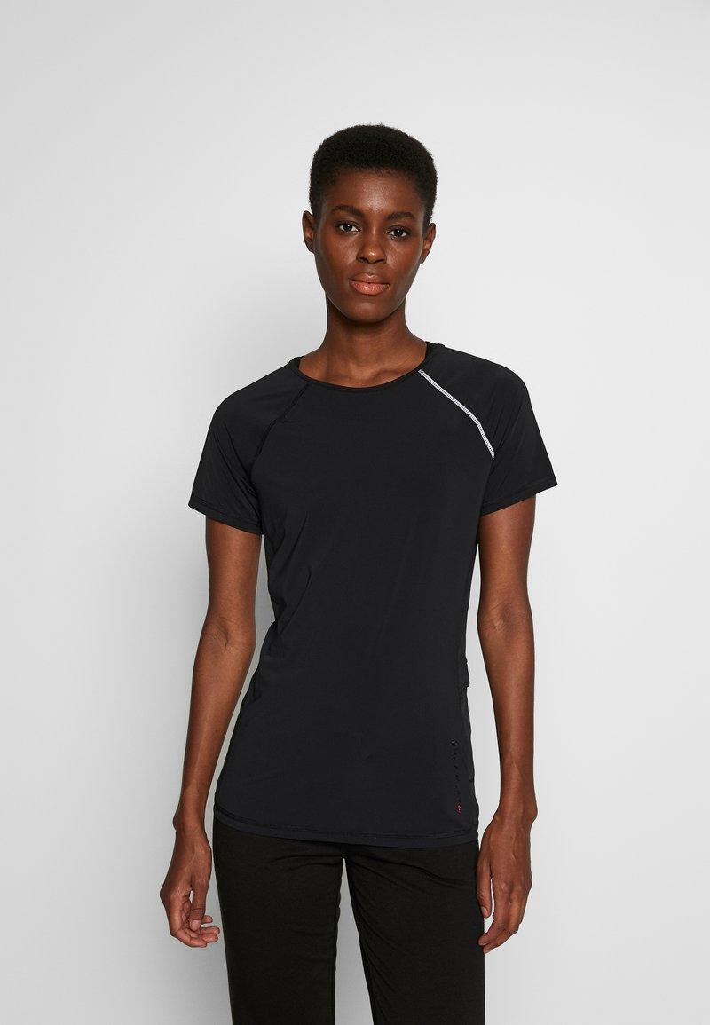 ONLY PLAY Tall - ONPPERFORMANCE RUN TEE TALL - Print T-shirt - black/red