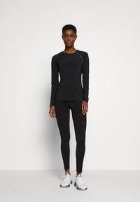 ONLY PLAY Tall - ONPPERFORMANCE - Print T-shirt - black - 1