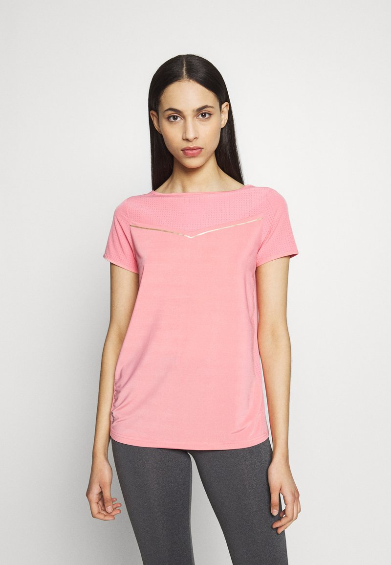 ONLY PLAY Tall - ONPJEWEL BOATNECK TRAINING TEE - Print T-shirt - strawberry pink/gold