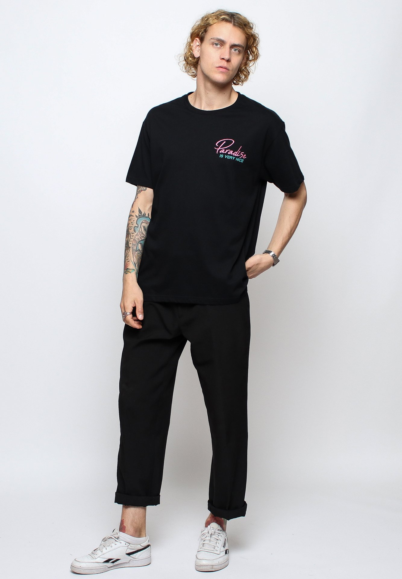 On Vacation T-shirt Med Print - Black