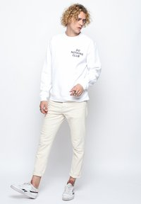 On Vacation - Sweatshirt - white - 1