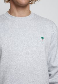 On Vacation - Sweatshirt - grey