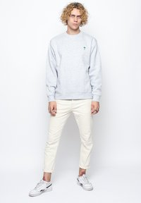 On Vacation - Sweatshirt - grey - 1