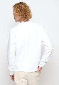 On Vacation - Sweatshirt - white - 2
