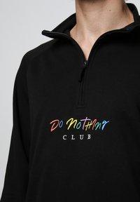 On Vacation - Sweatshirt - black - 4