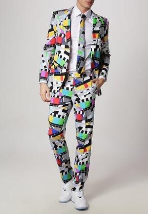 Oblek - bunt