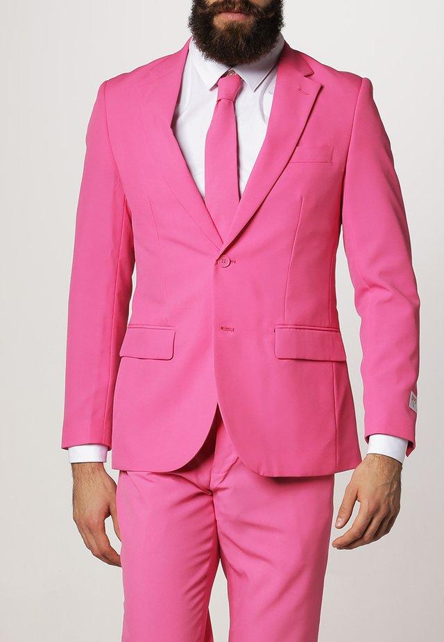 Anzug - pink